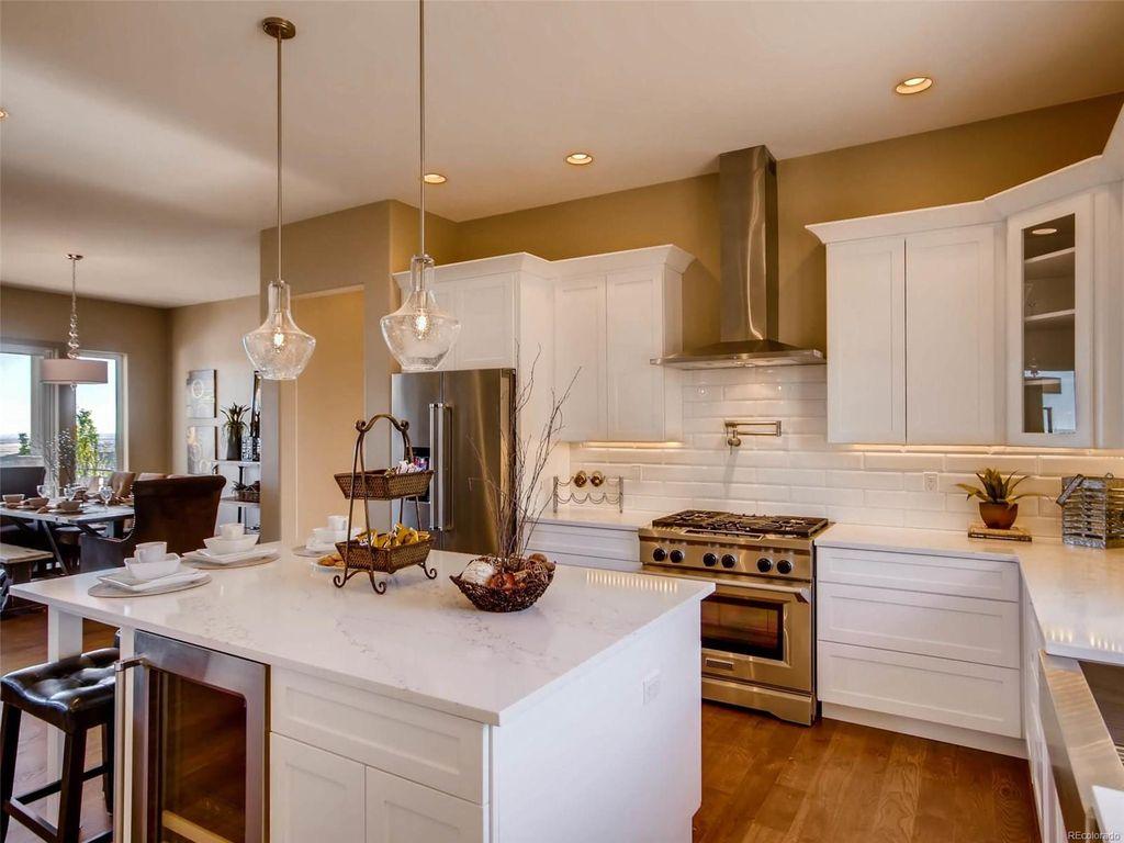 yucca-white-marble-kitchen