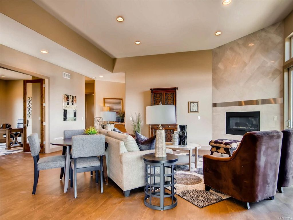 yuca-living-room